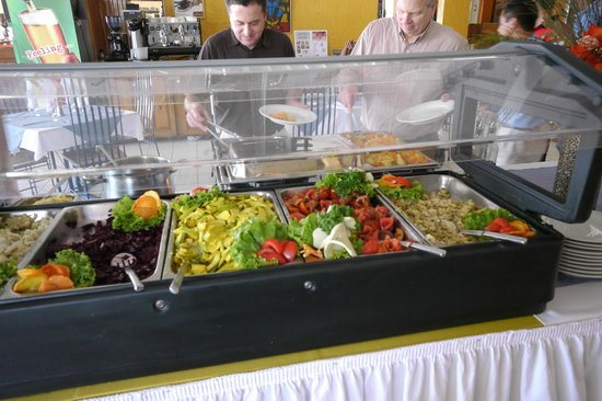 Visa Lodge Restaurant : Salad bar