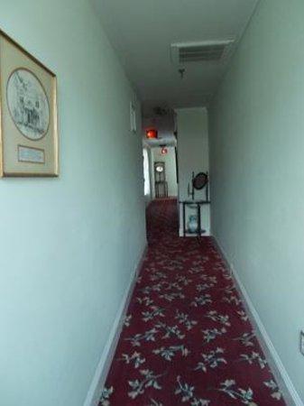 17 Hundred 90 Inn: hallway where boy died, heard bouncing ball