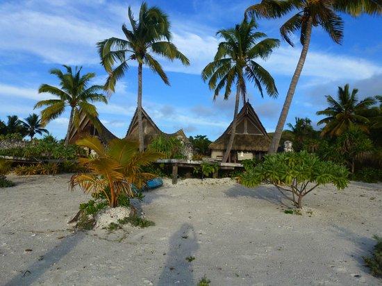 Aitutaki Escape: Exterior of villas