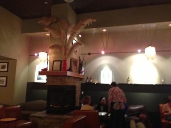 Yummy Wine Bar & Bistro: Sitting Area!