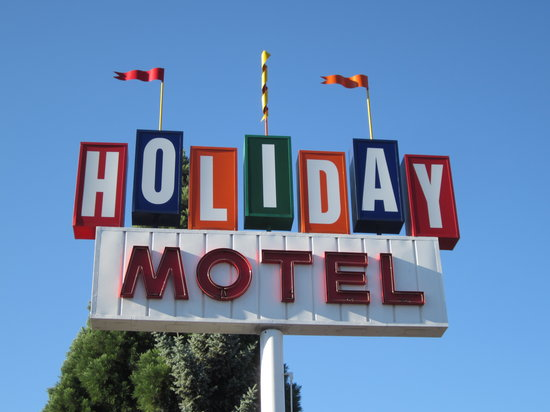 Holiday Motel: Retro sign