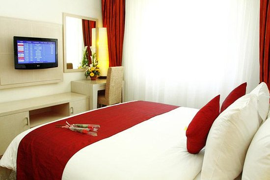 Bali Kuta Resort & Convention Center: Deluxe Room