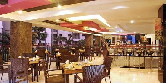 Bali Kuta Resort & Convention Center: Pink Pepper Restaurant