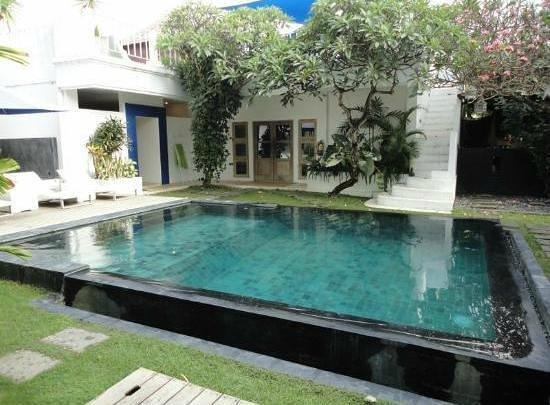 The Island Hotel: the pool NICE!!!