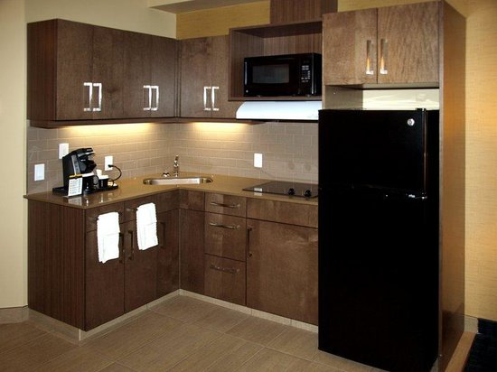Best Western Plus Winnipeg West: King Room with Kitchenette