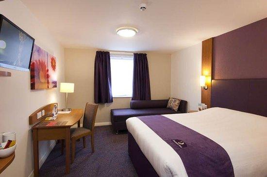 Premier Inn Halifax Town Centre: Halifax Town Centre Room