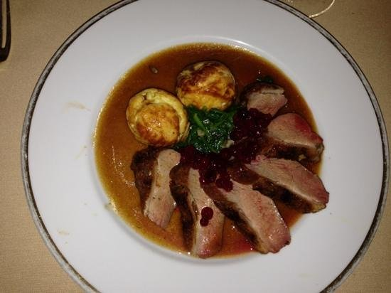Mirabelle : succulent duck breast with loganberry