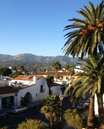 Holiday Inn Express Santa Barbara: The view from my third floor room.