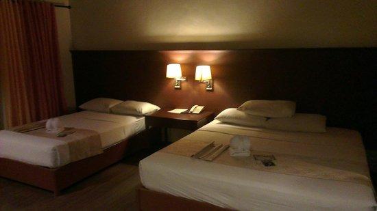 Dos Palmas Island Resort & Spa: Our Room