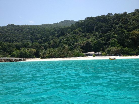 Wisana Village, Redang Island: view of hotel from the ocean