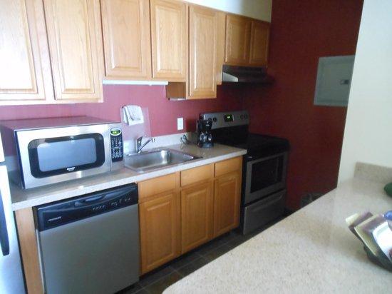 Residence Inn Denver Downtown: Kitchen