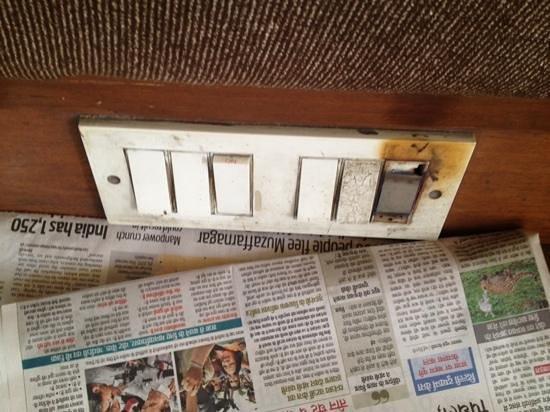 Royal Residency Hotel: power sockets