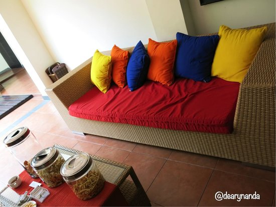 Rumah Dangdos B&B : Guess Room where you will be served with welcome drinks and snacks