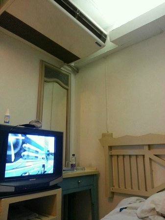 โรงแรมสวัสดี บางลําพู อินน์: room