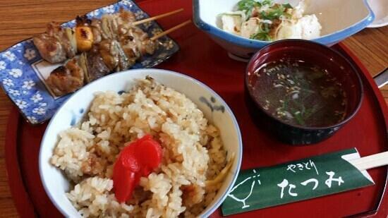 Yakitori Tatsumi: 焼きとり屋のとりめし定食 700円