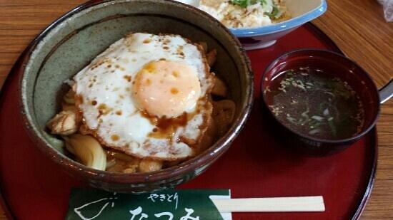 Yakitori Tatsumi: 焼きとり丼 700円(ランチ限定)
