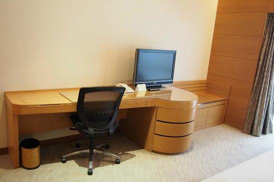 เดอะการ์เด้น โฮเต็ล แอนด์ เรสสิเดนซ์: Business area