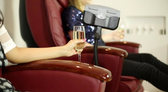 Cream Beauty Boutique: Enjoy a glass of the fizzy stuff as you have a pedicure