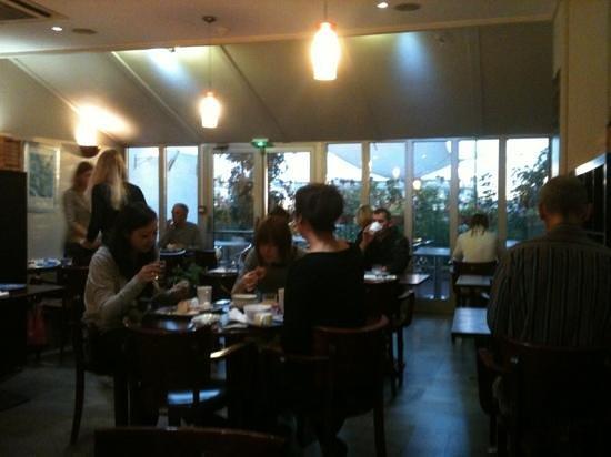 Kyriad Paris Sud - Porte d'Ivry: le petit déjeuner
