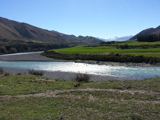 Marble Point Winery : View North towards Hanmer Springs, over Waiau River