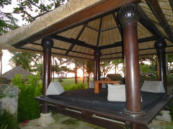 The Royal Beach Seminyak Bali - MGallery Collection: private sala with sunset view