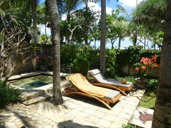 The Royal Beach Seminyak Bali - MGallery Collection: our own plunge pool/jacuzzi
