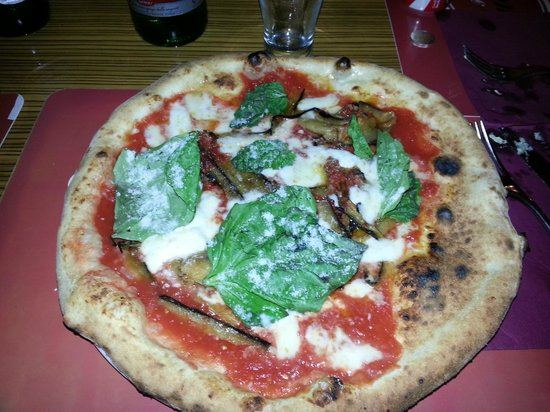 Pizzeria Vuolo: Bufala e parmigiana di melanzane