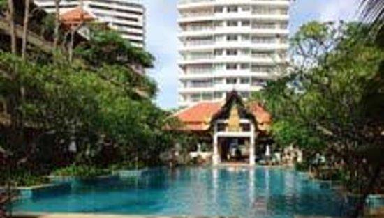 Avalon Beach Resort: Resort