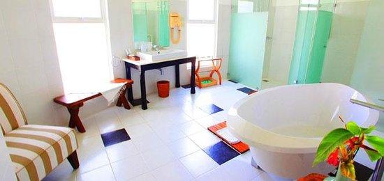 Cordova Reef Village Resort: Bath Room