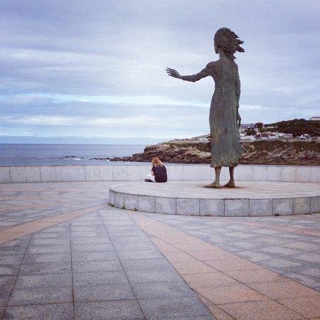 Monumento a la Madre del emigrante