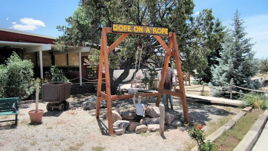 Grand Canyon Caverns: Dope on a Rope