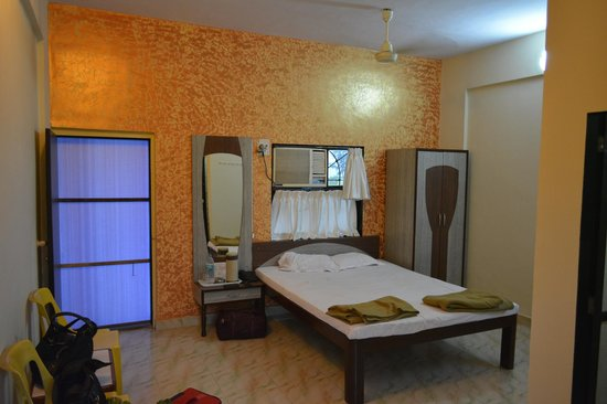 Surali Sagar Beach Resort: Room interiors
