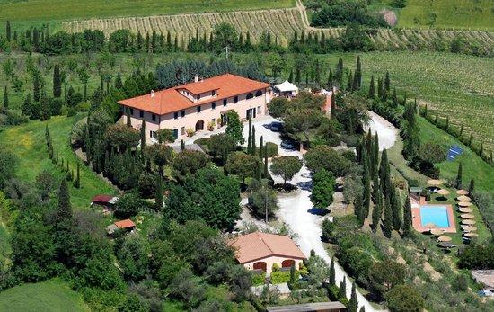 Cerreto Guidi, إيطاليا: Panoramica dell'agriturismo ISOLA VERDE