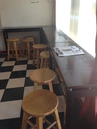 Tiny,seating area - Picture of Your Kitchen, Honolulu - TripAdvisor