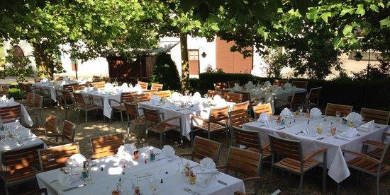 Feldschloesschen Restaurant: Der wunderschöne Garten