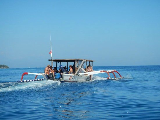View from the beach picture of manta dive gili air - Manta dive gili air ...