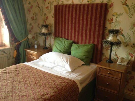 Castle Hotel: Standard (haunted) room