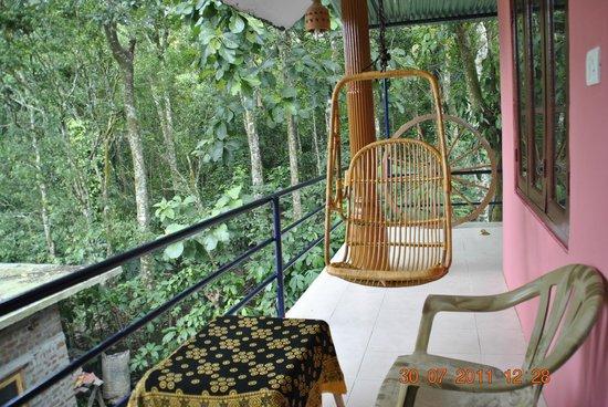 Jungle Paradiso: Balcony