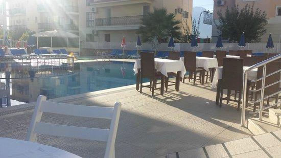 Nevada Hotel & Spa: Frühstück unter freiem Himmel