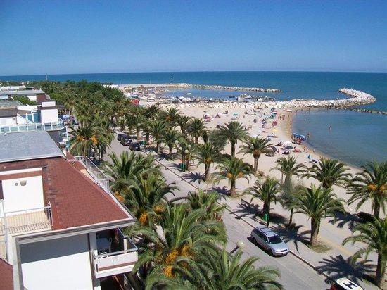 Sympathy Hotel: panorama sul mare che si ammira dal 5° piano del Simpathy