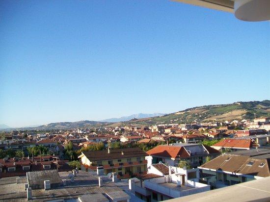Sympathy Hotel: panorama su Martinsicuro che si ammira dal 5° piano del Sympathy