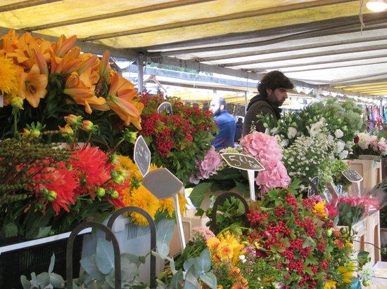 Marché Richard Lenoir : flower market