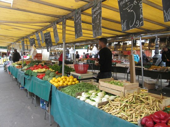 Marché Richard Lenoir : fruits and veggies
