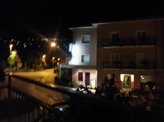 Hotel Alberello: Ala con camera,ristorante e bar