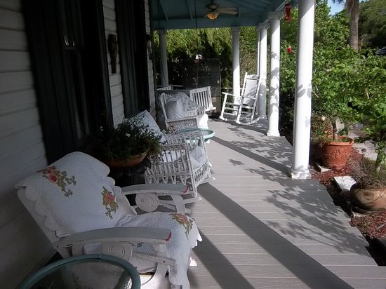 Bryant House Bed & Breakfast: Veranda