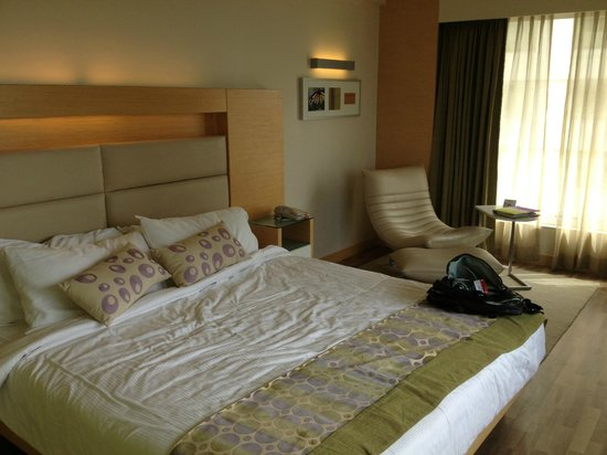 The Raintree Hotel - Anna Salai: Comfortable and modern room at The Raintree Hotel Chennai