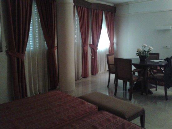 San Antonio Hotel: Si commenta da sola