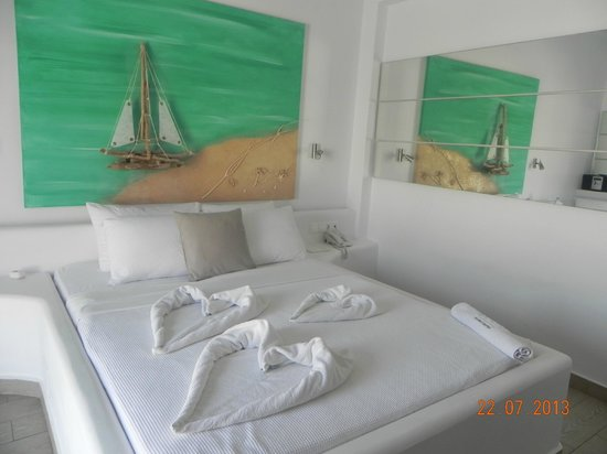 Rena's Rooms & Suites: Our beautiful room