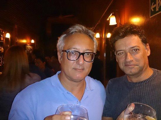 Miramelindo : Mis amigos en el bar