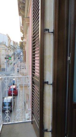 Hotel Vittorio Veneto: balcony